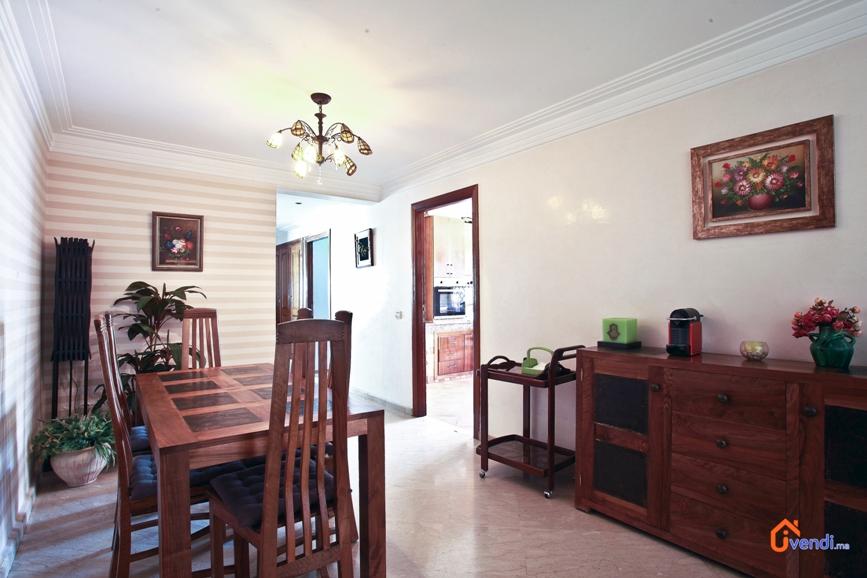 Vendu grand appartement tr s haut standing ivendi for Salle a manger casablanca