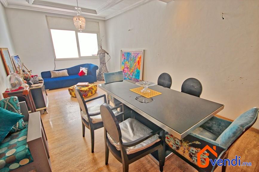 Appartement sur bd zerktouni gauthier 1er for Salle a manger casablanca