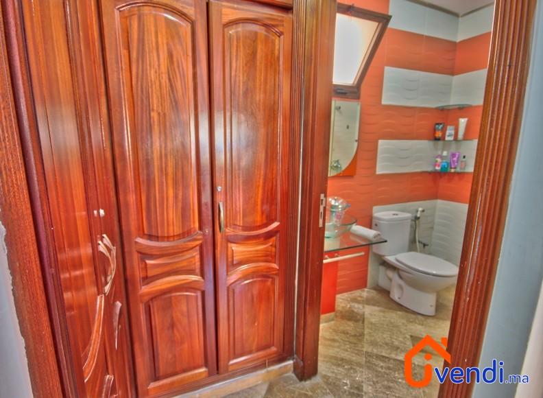 8728370 – salle de bain